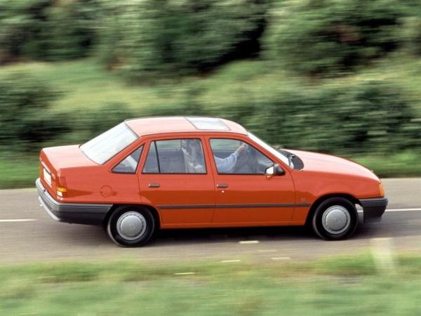 Daewoo Racer фото