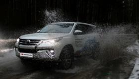 Честный тест-драйв Toyota Fortuner: дайте дорогу зверю
