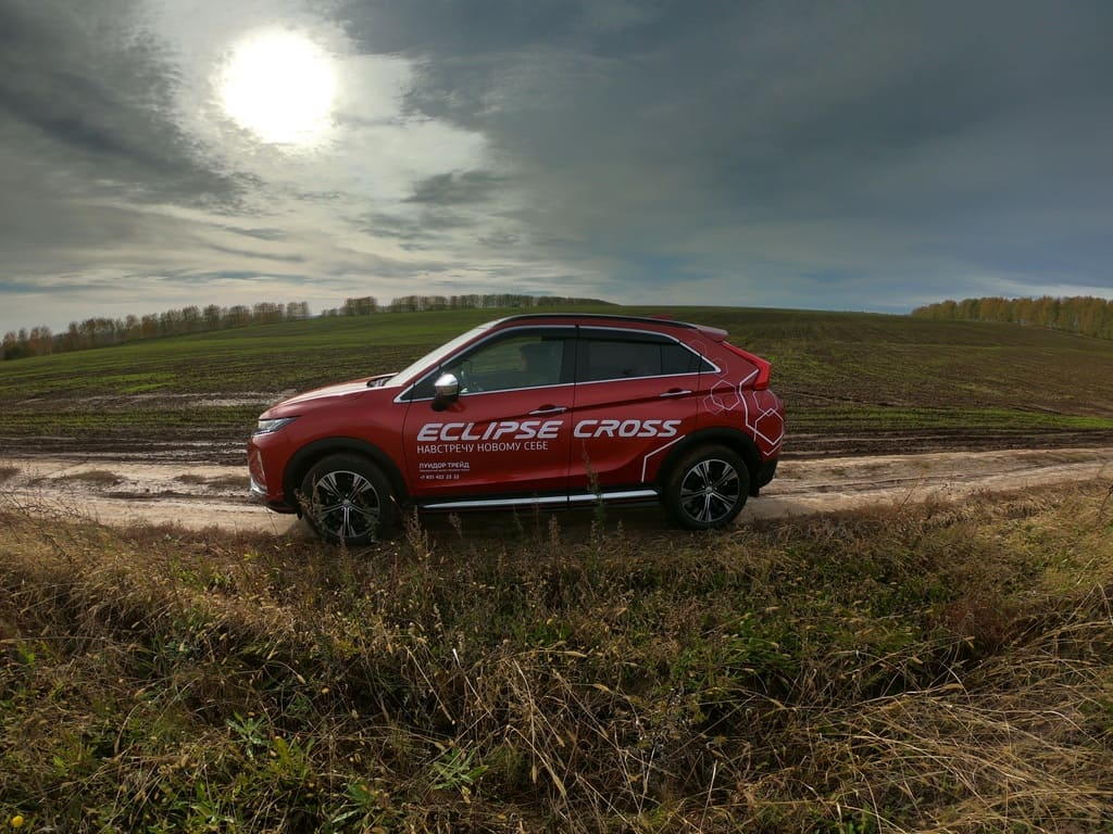 Mitsubishi Eclipse Cross фото
